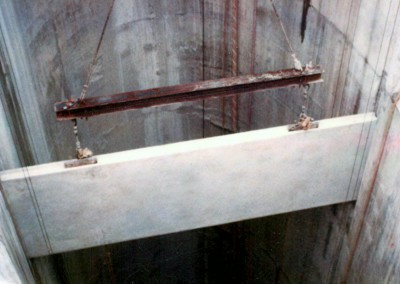 Installing a divider wall slab in shaft